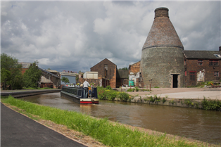 Photograph of a canal in Stoke on Trent